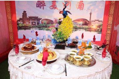 """鄭州新東方舉行烹飪""""武林大會""""選手八仙過海各顯神通"""