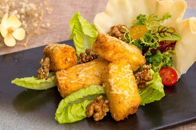 Pan Fried Crispy Cheese Cod Fillet with Spinach & Walnut salad