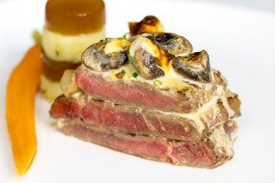 Beef Steak with Mushroom Gratin