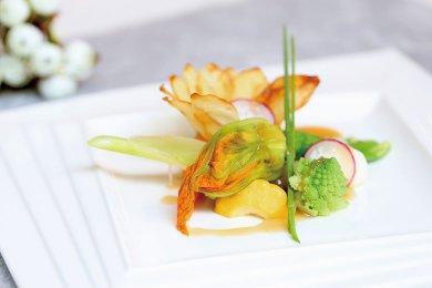 Braised Zucchini Flower with Mushroom Stuffing