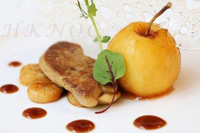 香煎鴨肝配酒香馬蹄蘋果