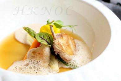 慢煮鵪鶉配西芹芯及蘑菇泡沫