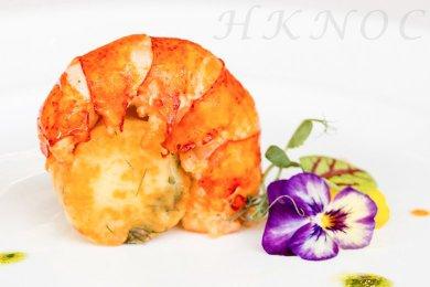 牛油香煎原隻龍蝦配蟹肉薯蓉餅