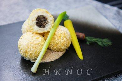 手製黑松露蘑菇意大利飯團