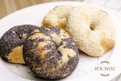 Poppy Seed and White Sesame Bagel