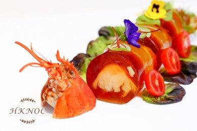 蟹肉龍蝦清湯凍批配蕃茄啫喱