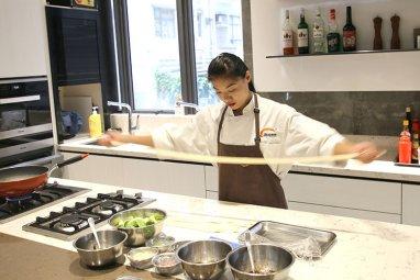 新東方烹飪教育力邀陝西麵食大師王鴿子老師來港傳授麵食絕技