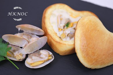 Fresh Clam Chowder with Hand Made Brioche