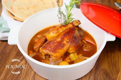 紅酒燉雞配中東包